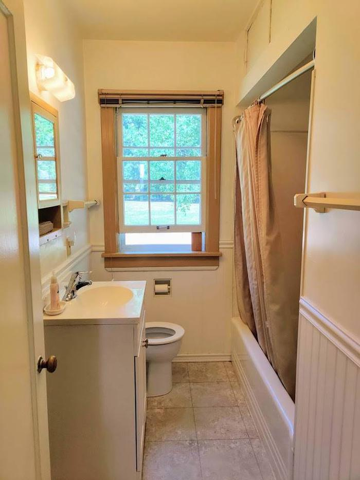 Savenac West Cottage Bathroom