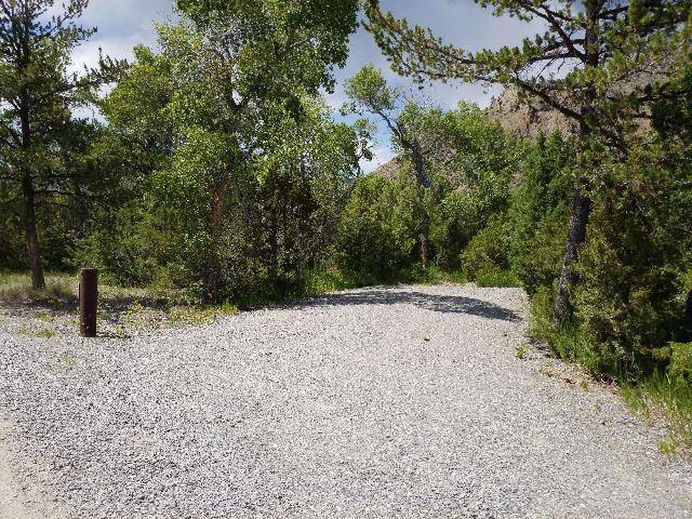 Wapiti Campsite 2 - Parking