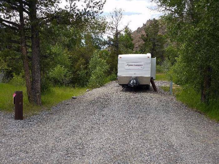 Wapiti Campsite 3 - Parking Area with RVWapiti Campsite 3 - Parking