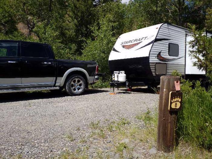 Wapiti Campsite 8 - Post with Truck and RV