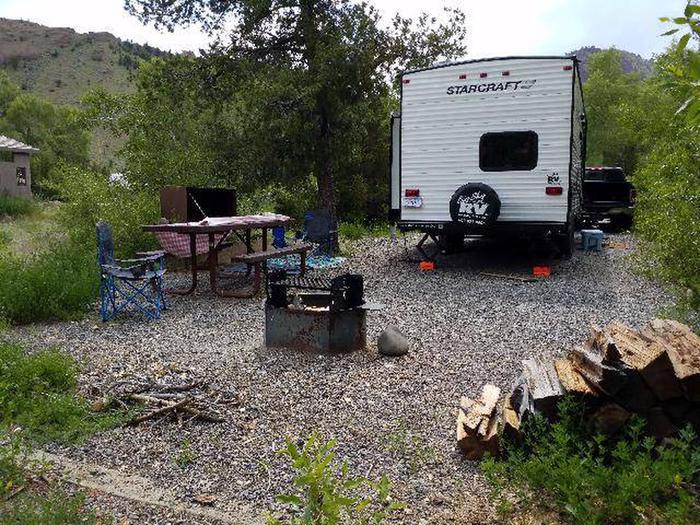 Wapiti Campsite 8 - Picnic Area, RV, picnic table, fire ring, bear boxWapiti Campsite 8 - Picnic Area