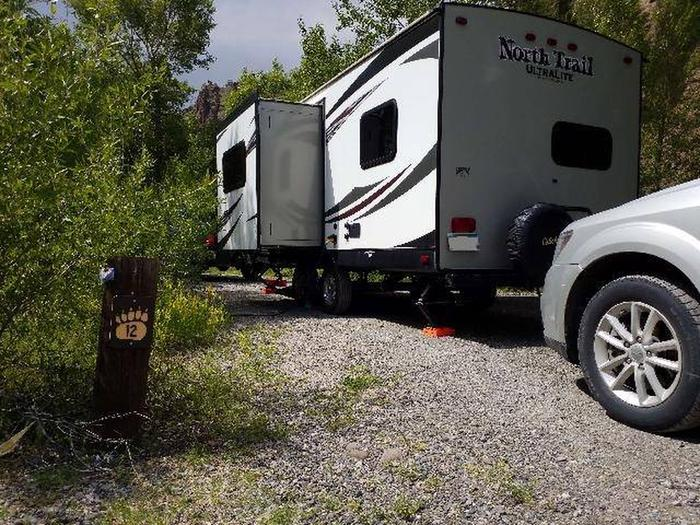 Wapiti Campsite 12 - Post with Parked RV