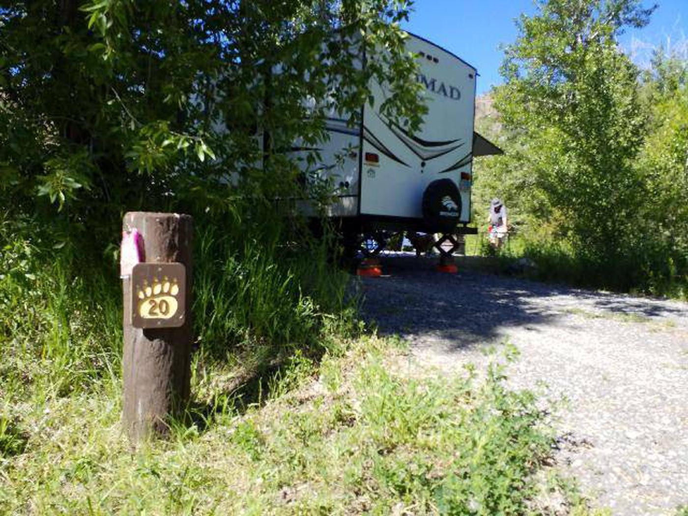 Wapiti Campsite 20 - Post