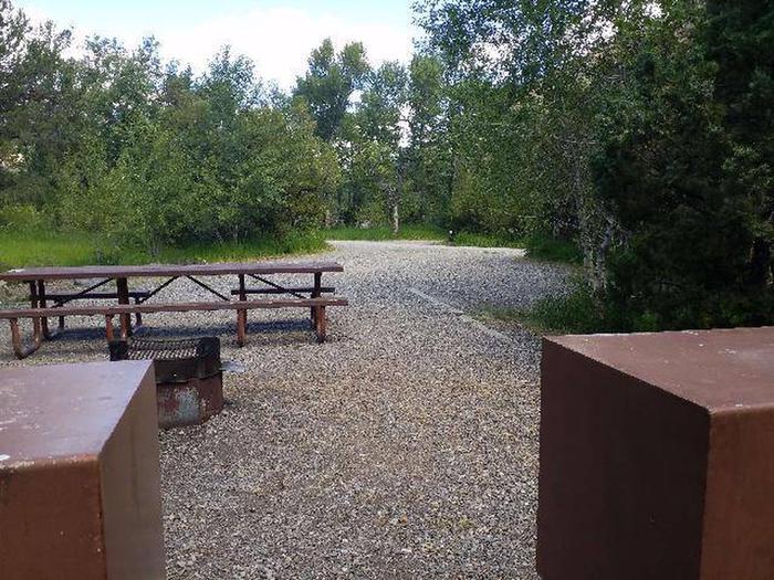 Wapiti Campsite 26 - Back View from Picnic Area
