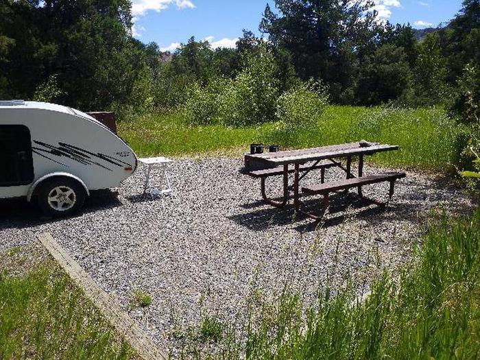 Wapiti Campsite 29 - Side View of Picnic Area, Picnic Table, Camper Wapiti Campsite 29 - Side View of Picnic Area