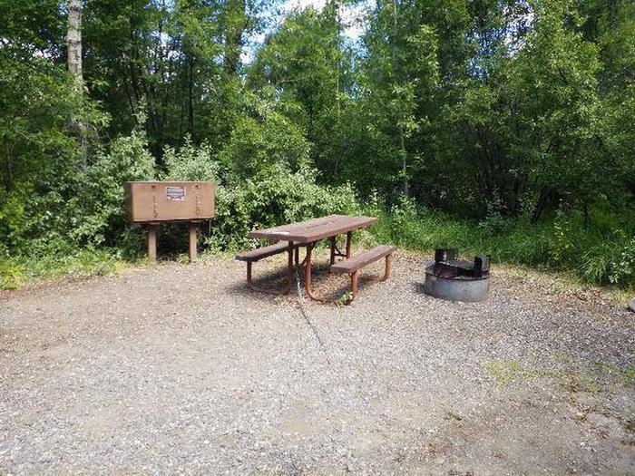 Wapiti Campsite 34 - Picnic Area
