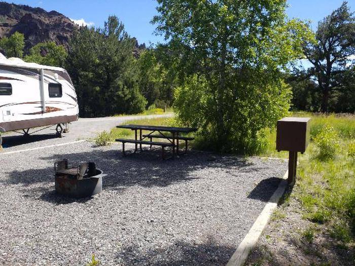 Wapiti Campsite 39 - Picnic Area