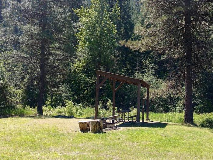 Beauty Creek Campground Site 4