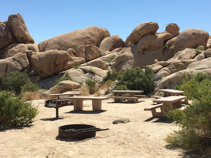 Indian Cove Group Site 3 AmenitiesAmenities: BBQ Grill, Tables and In-Ground Fire Pit