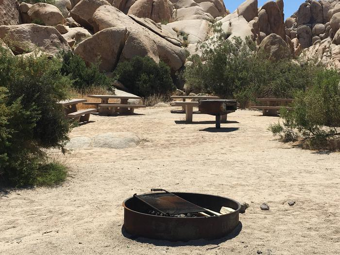 Indian Cove Group Site 5 AmenitiesAmenities: BBQ Grill, Tables and In-Ground Fire Pit