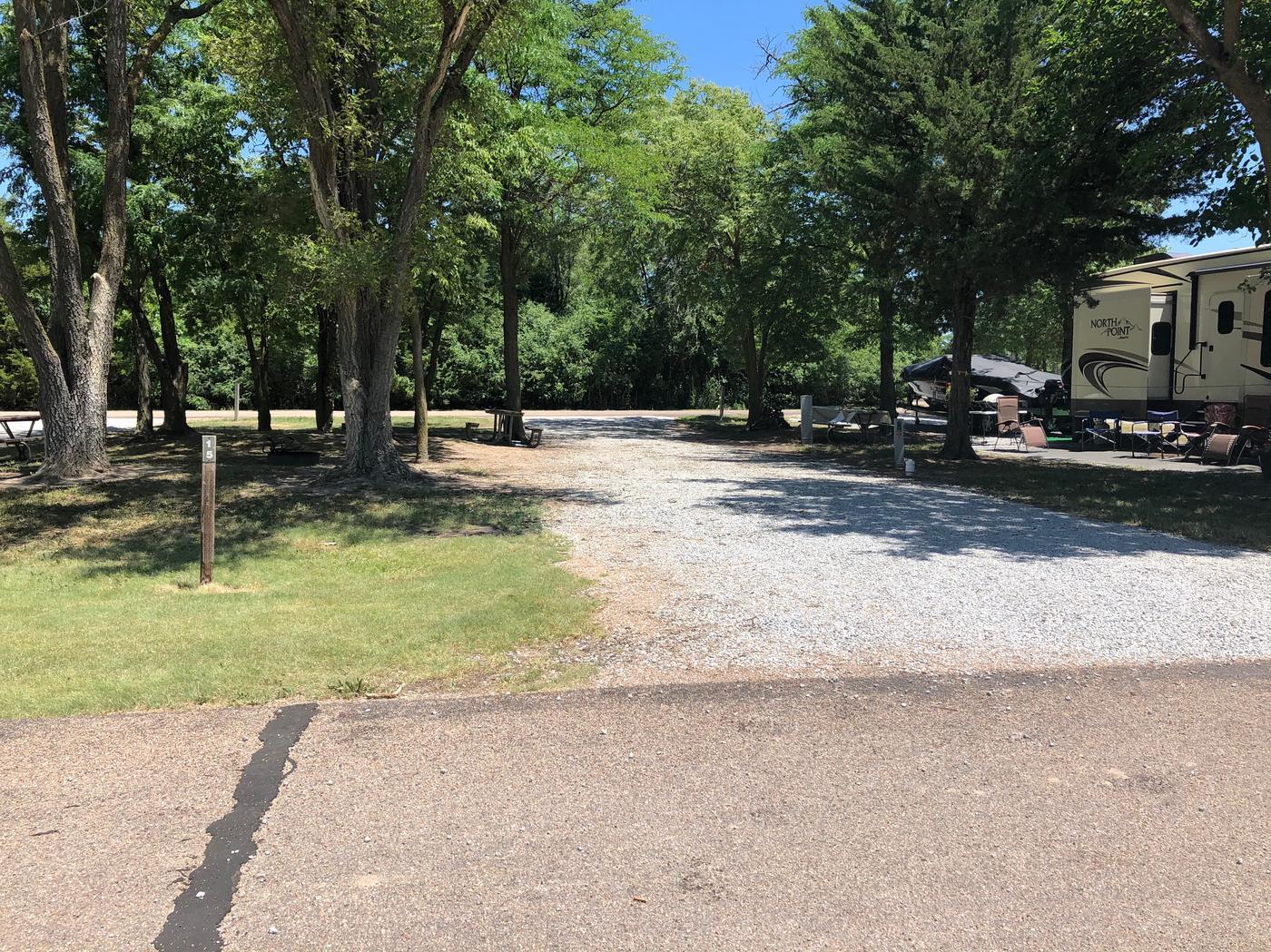 Pull through campsite Site 15
