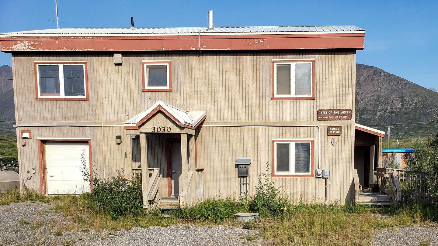 Front View of the Anaktuvuk Pass Ranger StationThe Anaktuvuk Ranger Station is centrally located in Anaktuvuk Pass