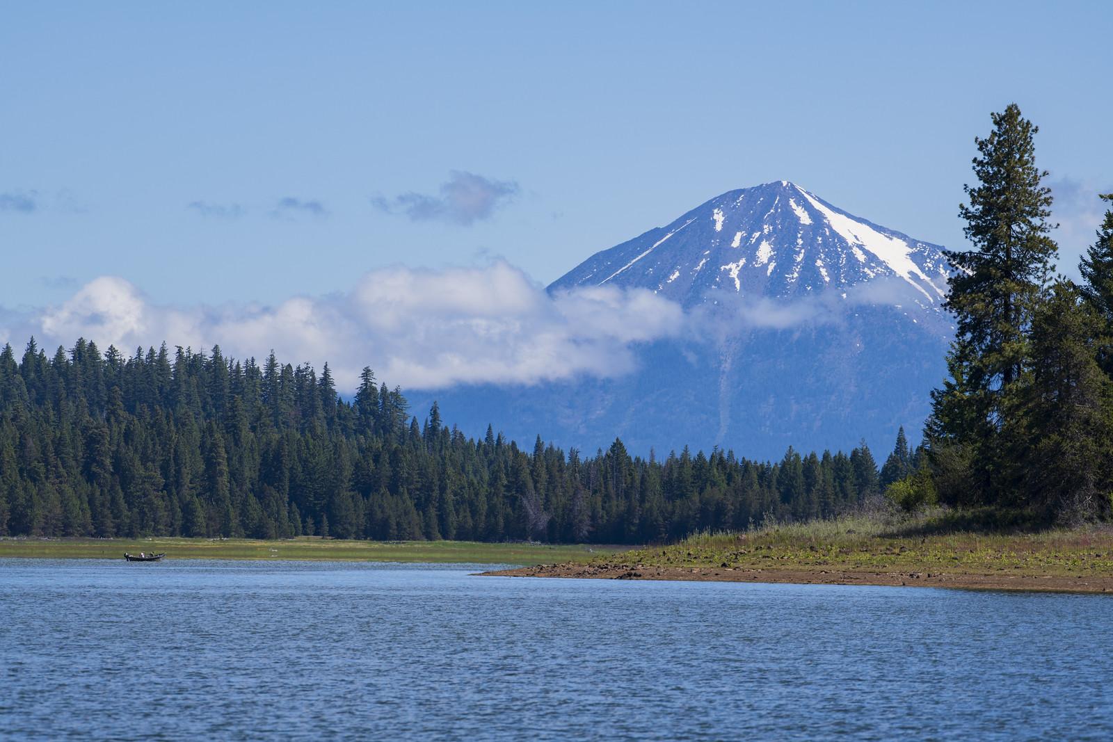Hyatt Lake and Mt McLoughlin