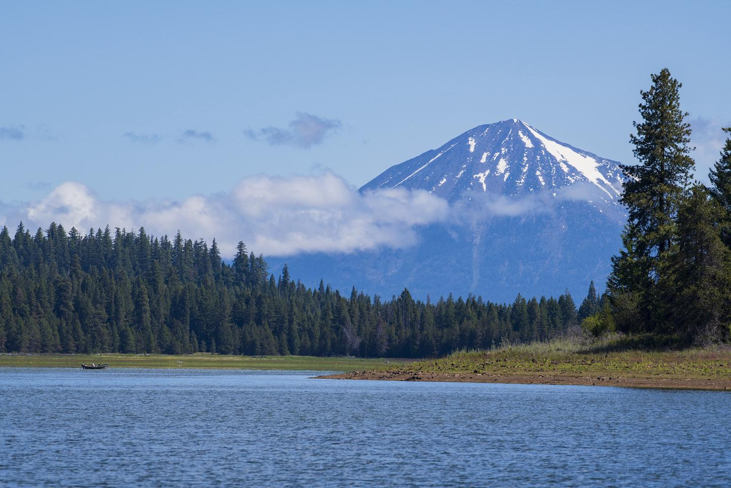 Hyatt Lake and Mt McLoughlin