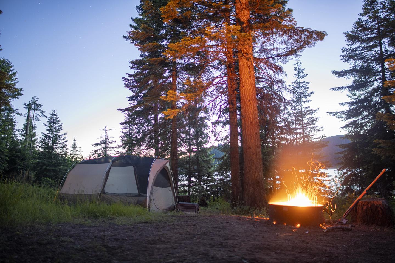 Campfire at Hyatt Lake Campground