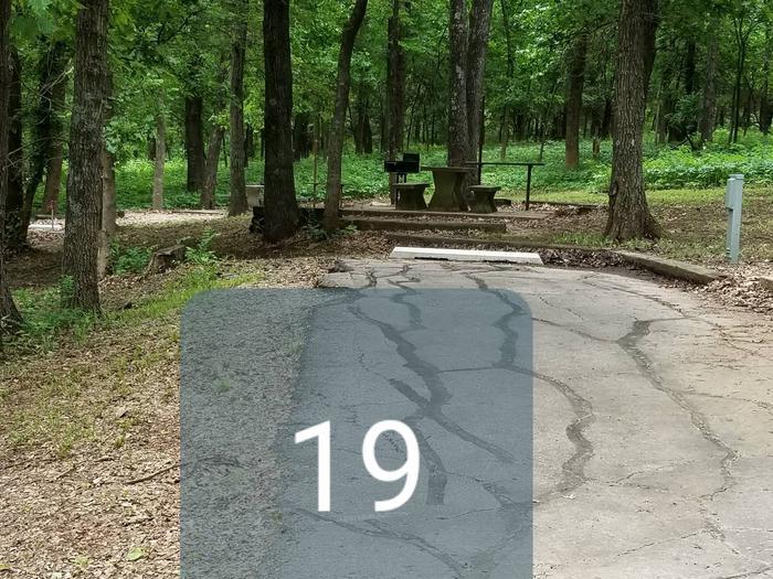 Mound Valley Site #19, 30 amp & water