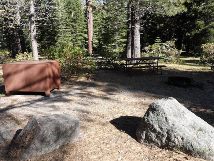 D3Manzanita Lake Campground, Loop D, Site D3