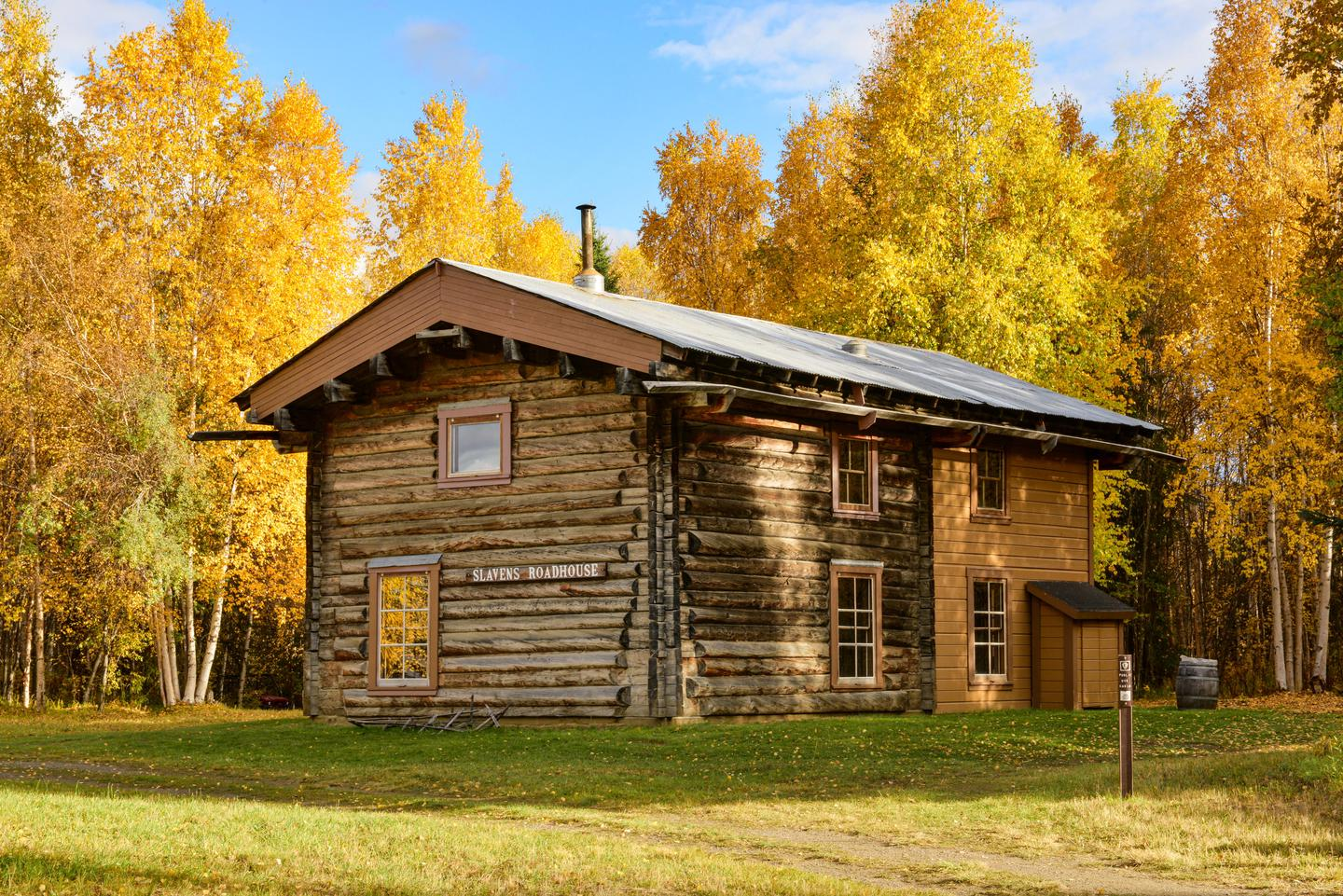 Slaven's Roadhouse during fall colorsA historic roadhouse and public use cabin on the Yukon River