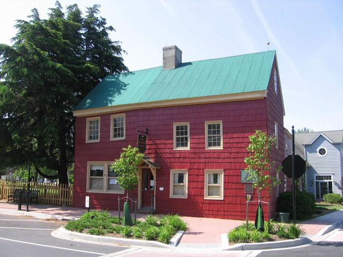 Ryves Holt HouseThe Ryves Holt House is said to be the oldest known house in Delaware.
