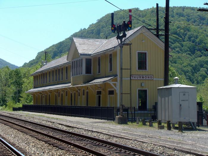 Thurmond Depot and RR tracksThe Thurmond Depot