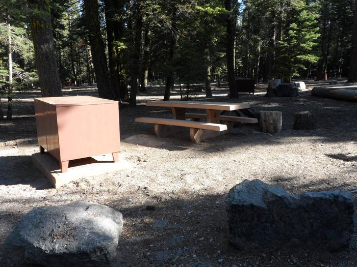 Site B18Manzanita Lake Campground, Site B18