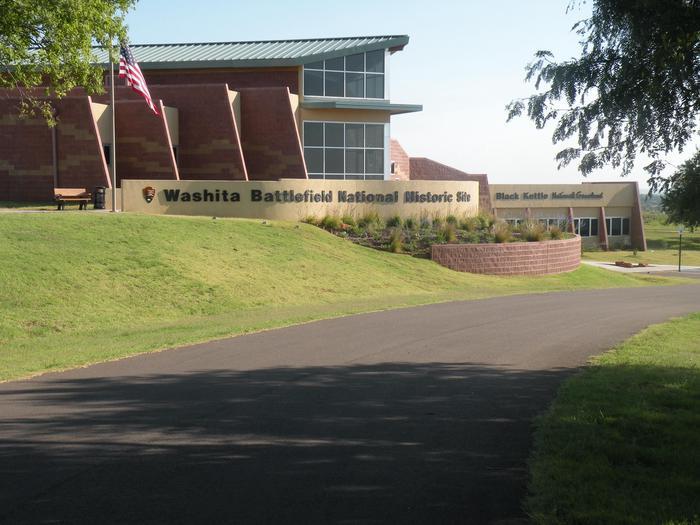 Washita Battlefield Visitor CenterWashita Battlefield Visitor Center viewed from the parking lot