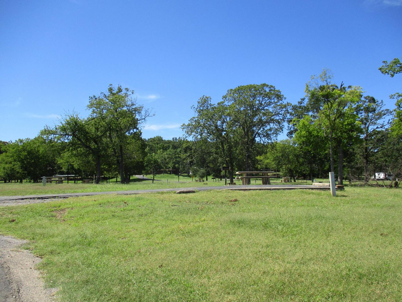 Site 13 - WildwoodSite 13 offers a large green space surrounding the site.