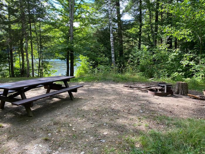 Campsite 15 close to the lakeSite 15