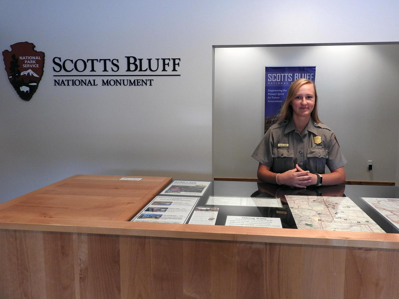 Friendly park rangerPark rangers are available to greet you and answer questions about your visit to Scotts Bluff National Monument.