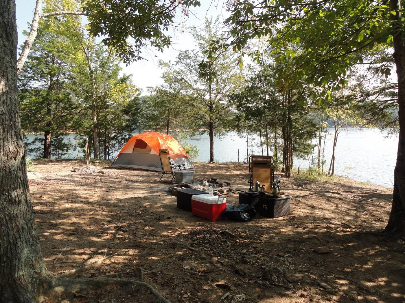 DALE HOLLOW LAKE - PRIMITIVE CAMPING BOAT IN SITES