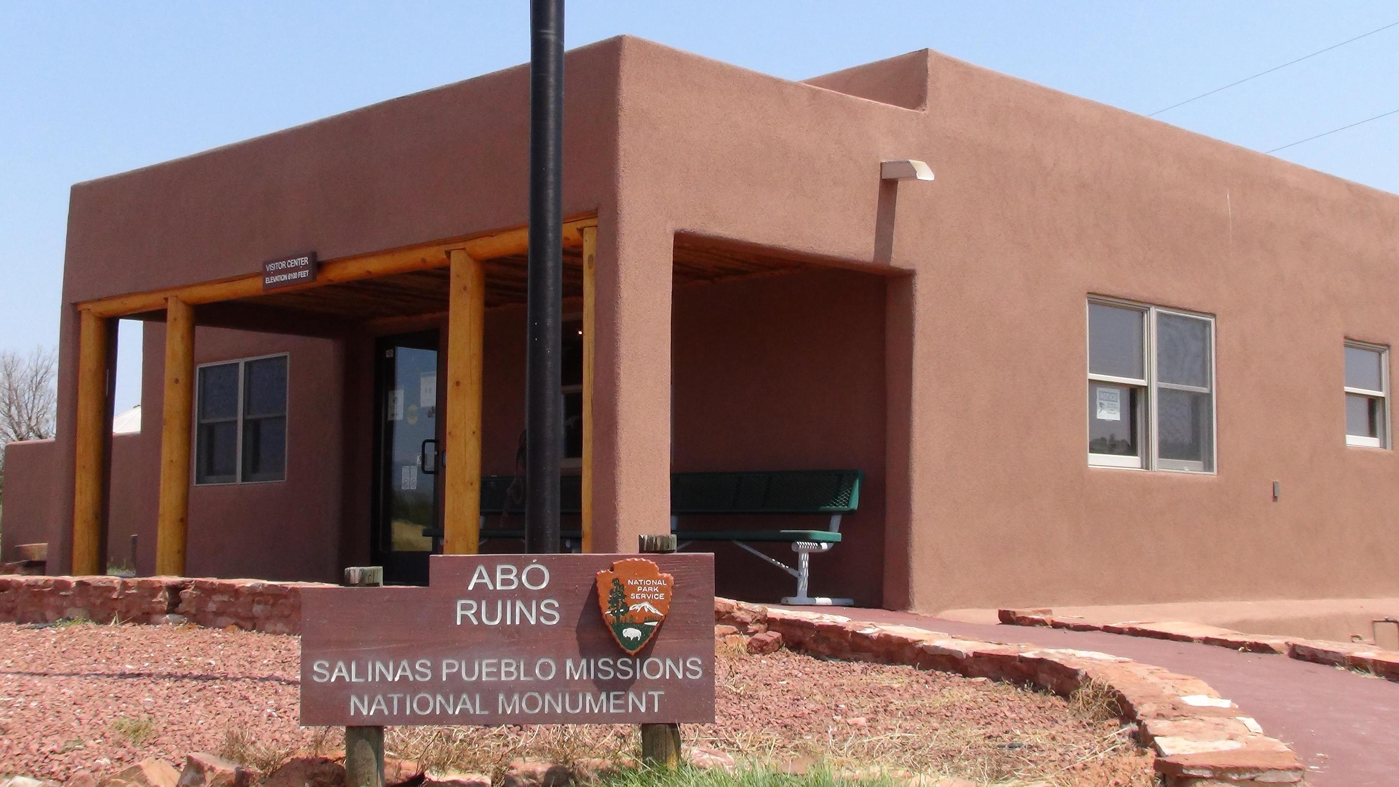 Abó Visitor CenterThe Abó Visitor Center is a great place to start your visit to Abó.
