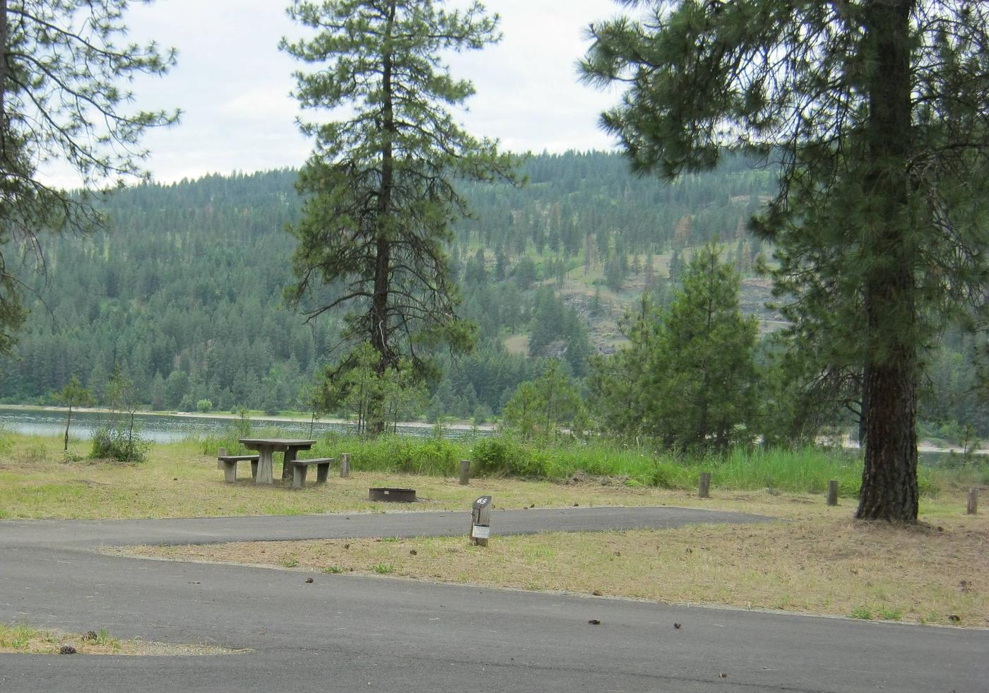 Site 65site 65, Back in, Trees and lake in background