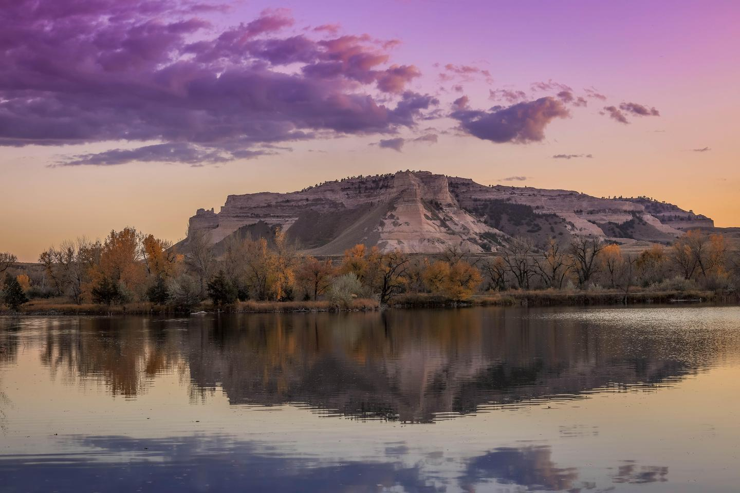 Scotts Bluff from the North Platte RIverScotts Bluff as seen from the north side of the North Platte River