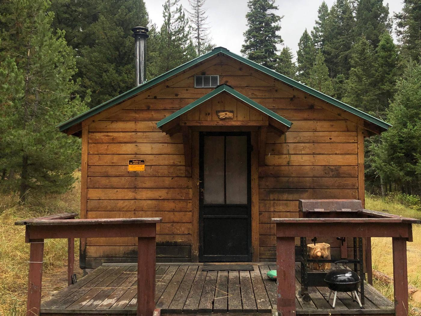cabin frontporch and front