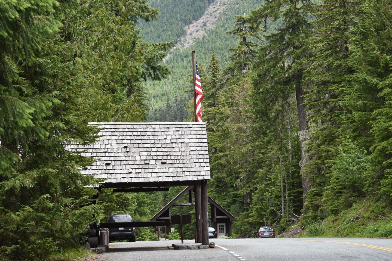 White River Ranger Station & Wilderness Information CenterThe White River Ranger Station and Wilderness Information Center