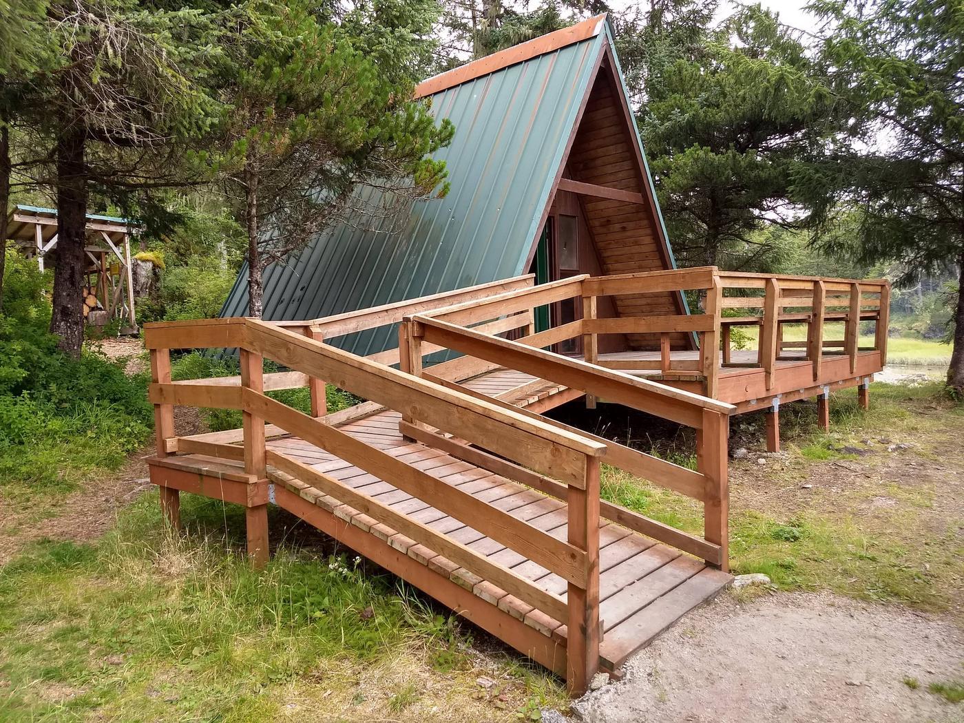 Sevenfathom Bay Cabin (2)Sevenfathom Bay Cabin