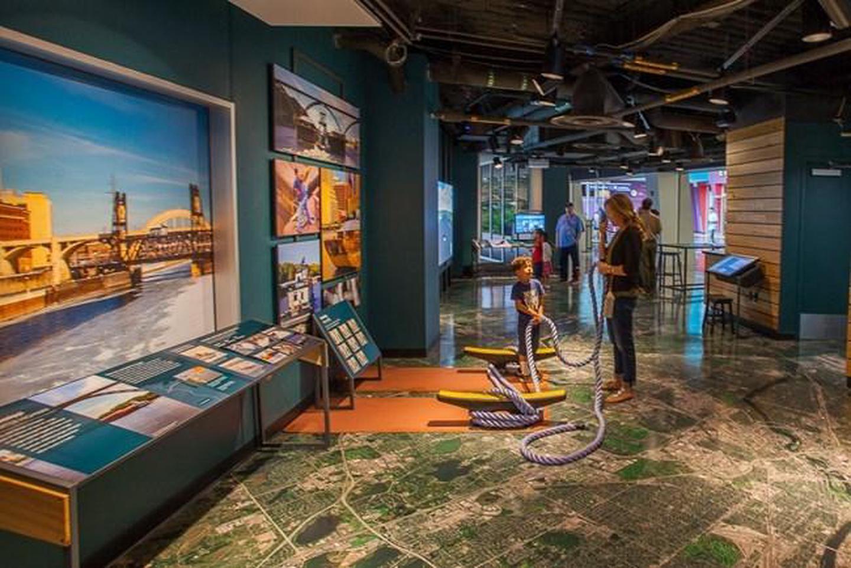 Mississippi River Visitor CenterInside the Mississippi River Visitor Center