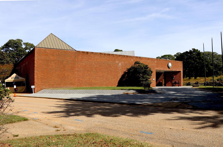 Yorktown Battlefield Visitor CenterThe Yorktown Battlefield Visitor Center