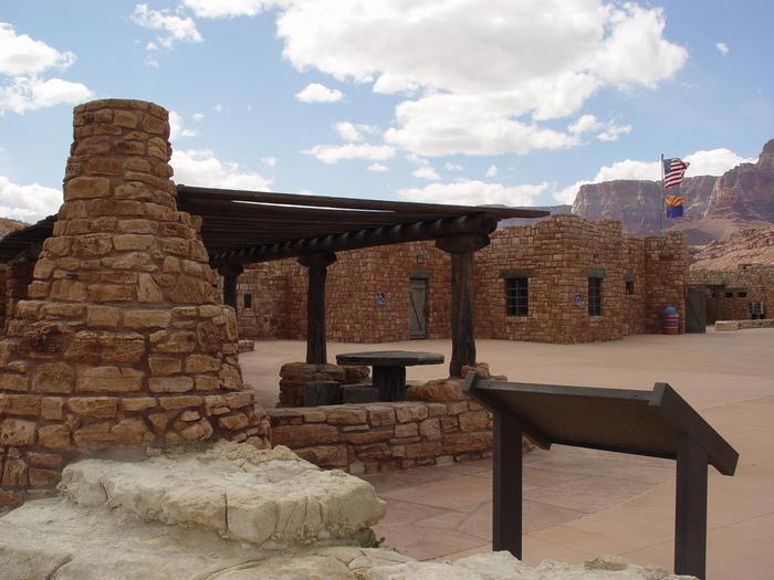 Outdoor Exhibits at Navajo Bridge Interpretive CenterLook back from the walking bridge to the outdoor exhibits at Navajo Bridge Interpretive Center.