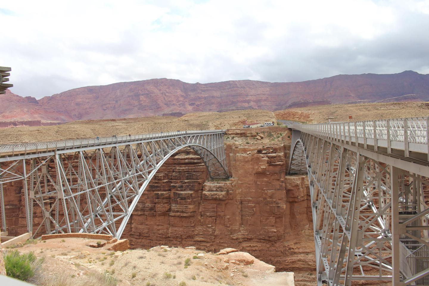 The Navajo BridgesStop and look how similar the historic and modern Navajo Bridges are before you stroll across.
