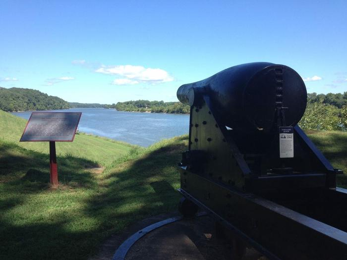 Upper River BatteryA commanding view of the Cumberland River from the Upper Artillery Battery