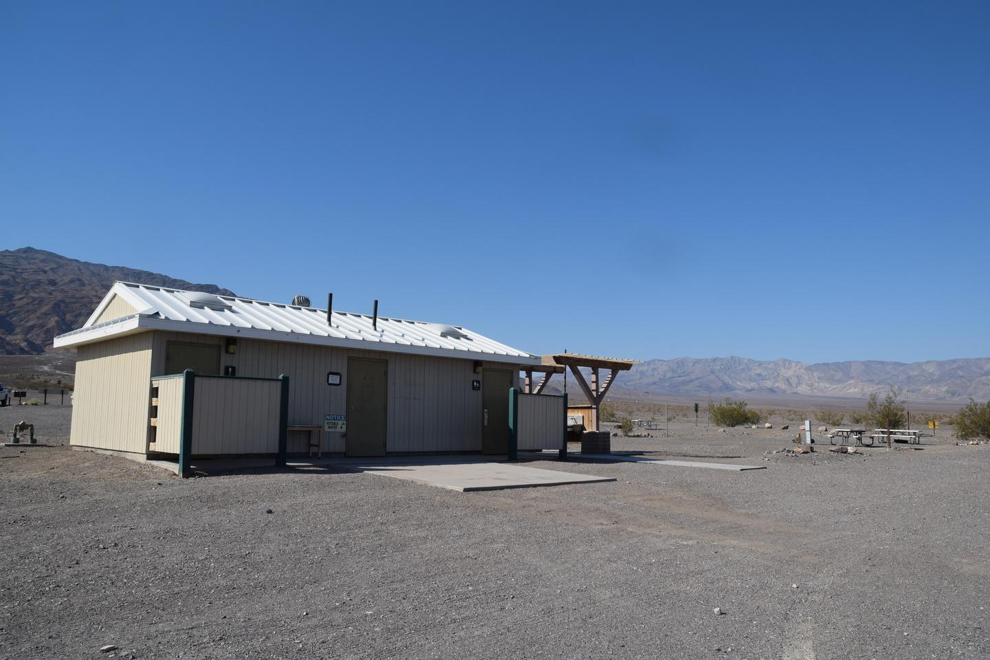 Stovepipe Wells Campground facilitiesBathroom facilities at Stovepipe Wells Campground.