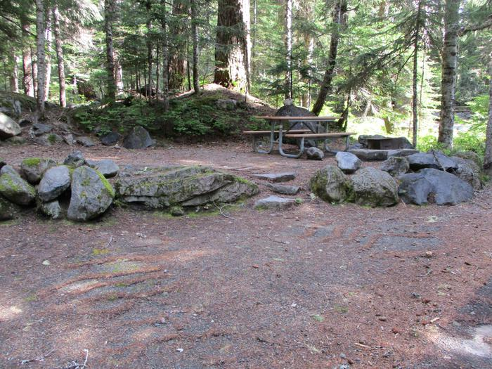 Picnic Table, Fire ring, Stairs