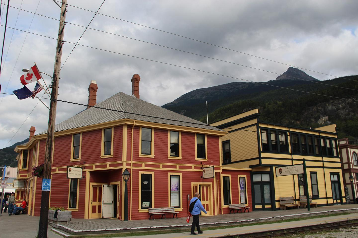 Klondike Gold Rush National Historical Park Visitor CenterThe park's visitor center is located at 2nd and Broadway right by the railroad tracks.
