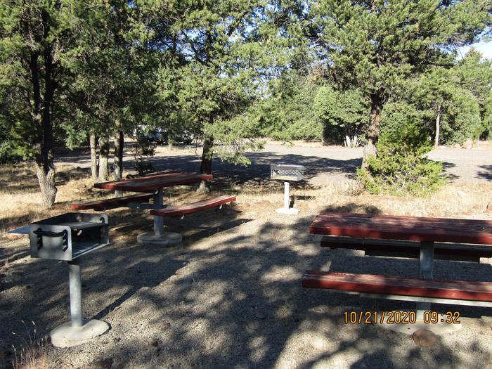 Multiple picnic areas.Picnic areas.