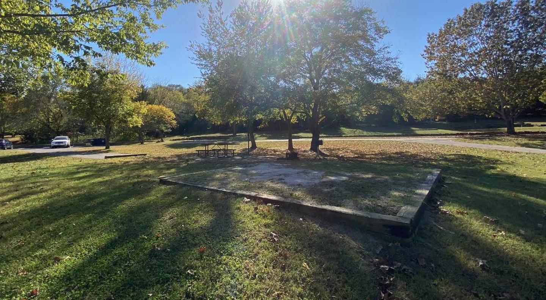 Tyler Bend Main Loop Site 25-5Site #25, 67' back-in, tent pad 15' x 15'.