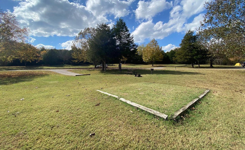 Tyler Bend Main Loop Site #23-4Site# 23, 50' back-in, tent pad 15' x 15'