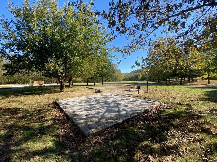 Tyler Bend Main Loop Site# 28-3Site# 28, 70' back-in, tent pad 15' x 15'