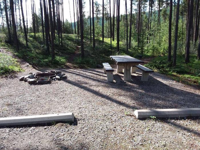 McGregor Lake Site 15-table