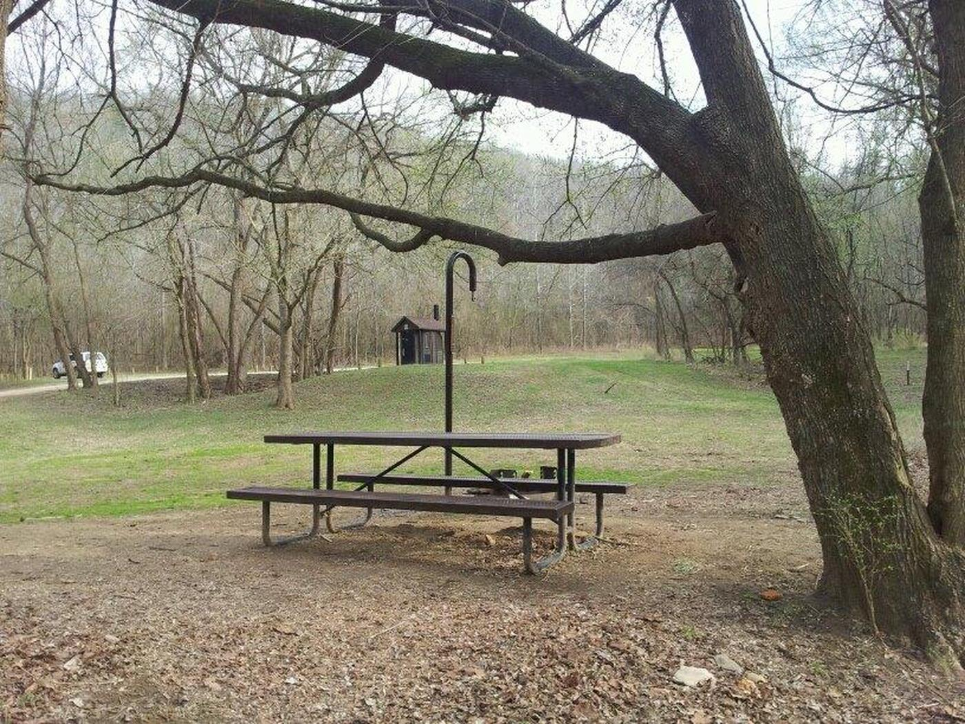 Spring Creek CampgroundSpring Creek Campground has twelve campsites each with a picnic table, lantern post and fire ring. No water is available. Campground has a vault toilet. Open year-round.